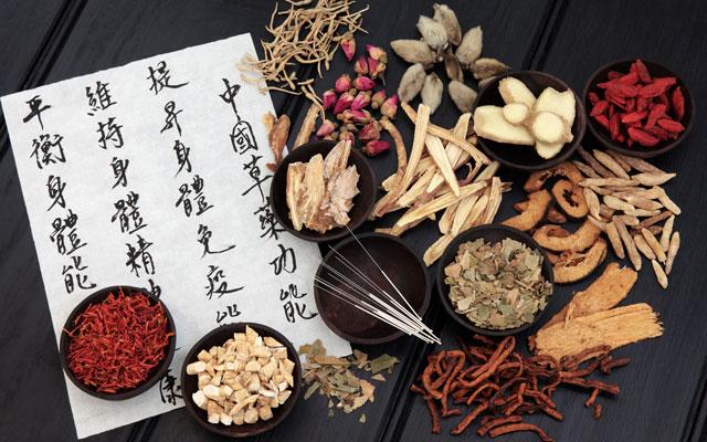 In unserer Praxis bieten wir Naturheilkunde an. - Praxis für Akupunktur und TMC München.